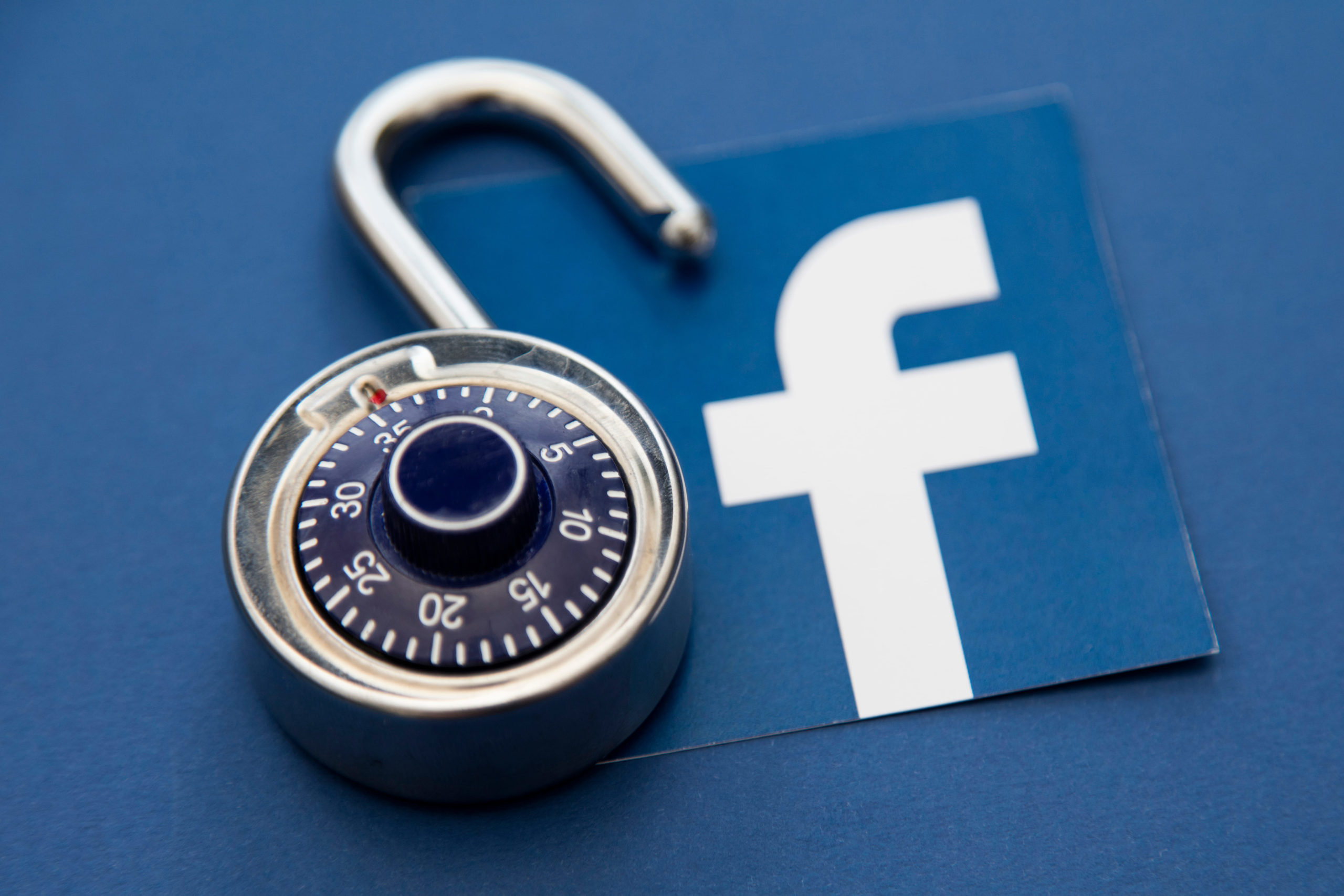 How to Spy on Someone's Facebook Messages